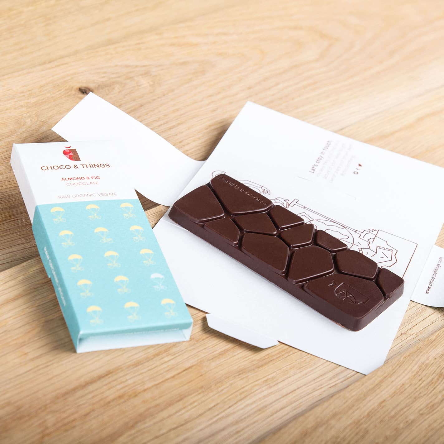 Vegan chocolate: Almond & Fig Detail.